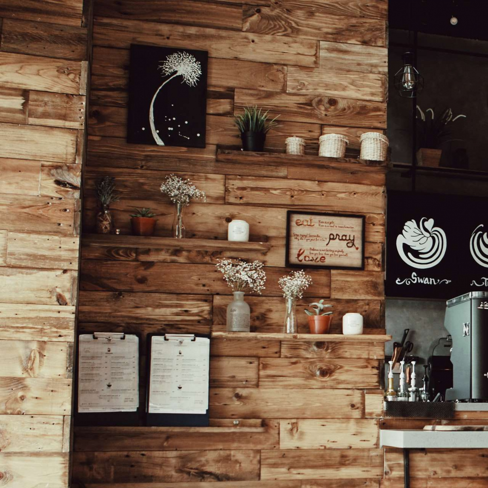 Inside Blend Coffee House